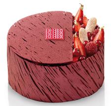 Charlotte aux fruits rouges de la Maison Fauchon (Photo : Latoque.fr).